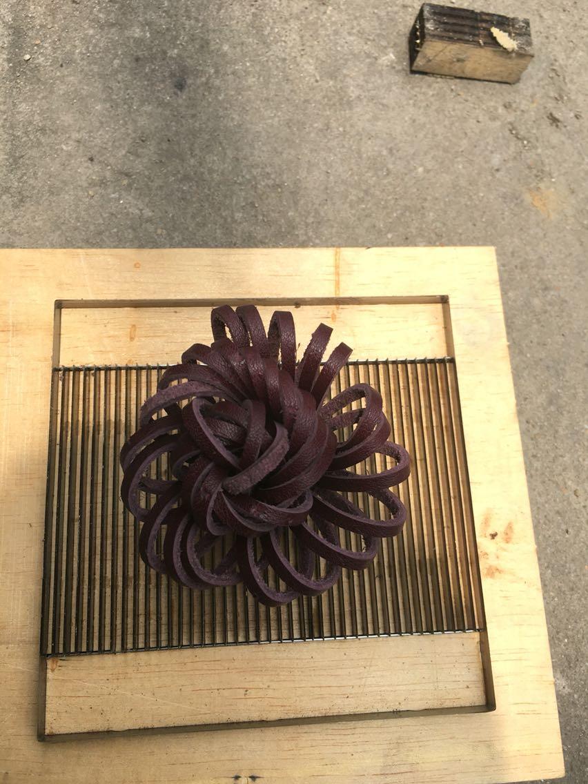 Japon lame en acier règle Die Cut en acier poinçon fleur gland coupe moule bois meurt pour cuir Cutter pour cuir artisanat 120x120 MM