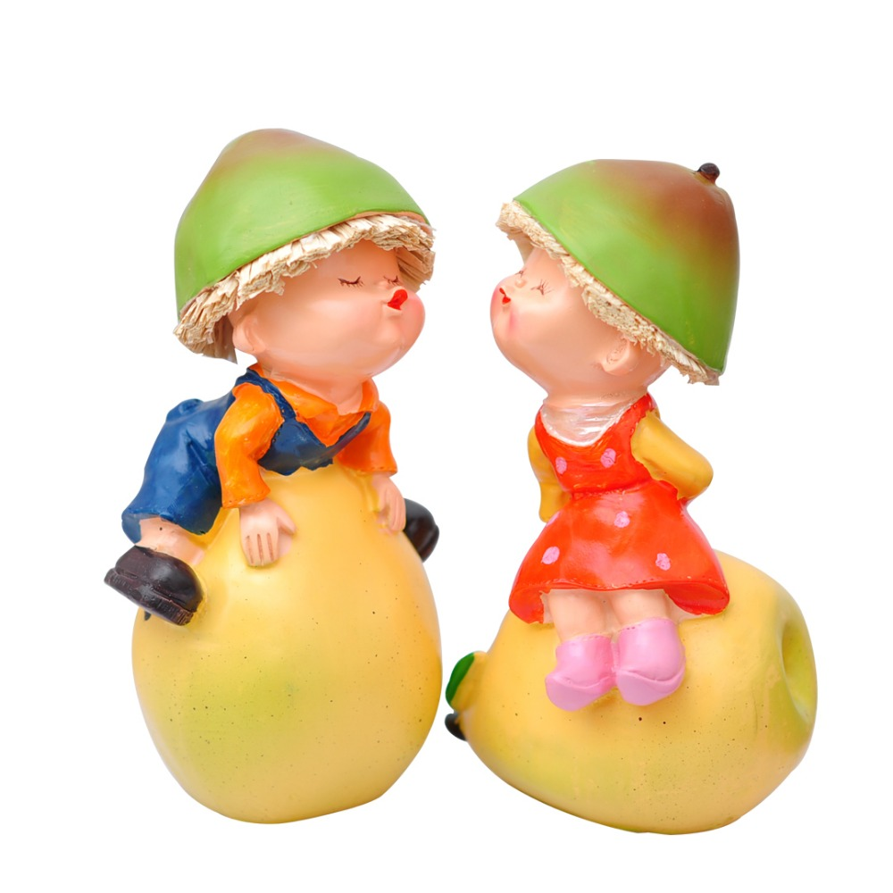Save fruit doll - Cute Fruit Doll Lovers Handmade Painted Resin Crafts Creative Home Decortion Tourism Souvenir Holiday Wedding Gifts
