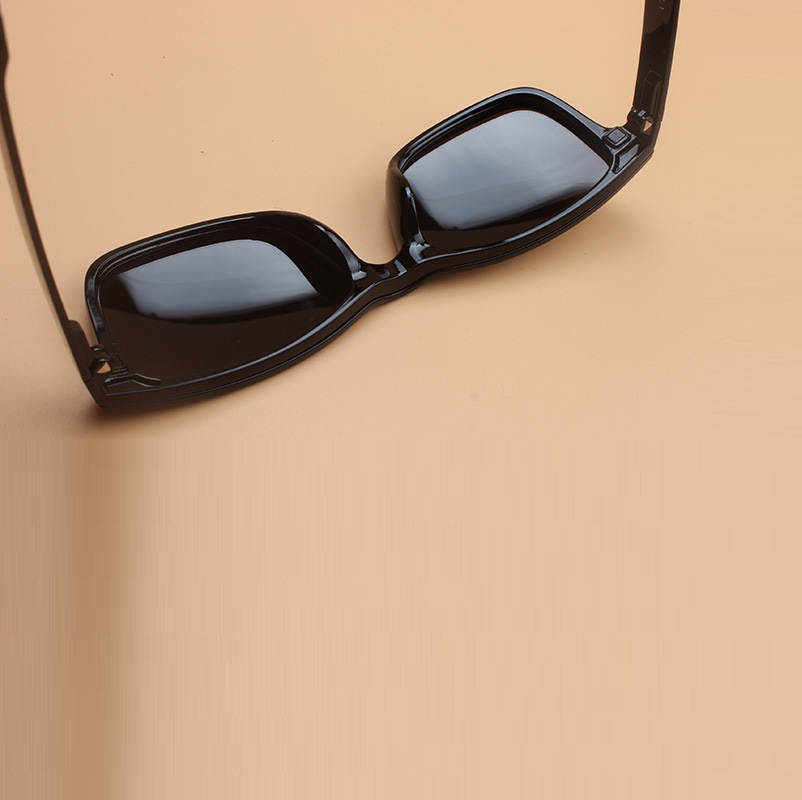 width 135 Plastic myopia eyeglasses frames Night vision magnet mirror bright polarized sunglasses frame male and famle clip 2075 in Men 39 s Eyewear Frames from Apparel Accessories