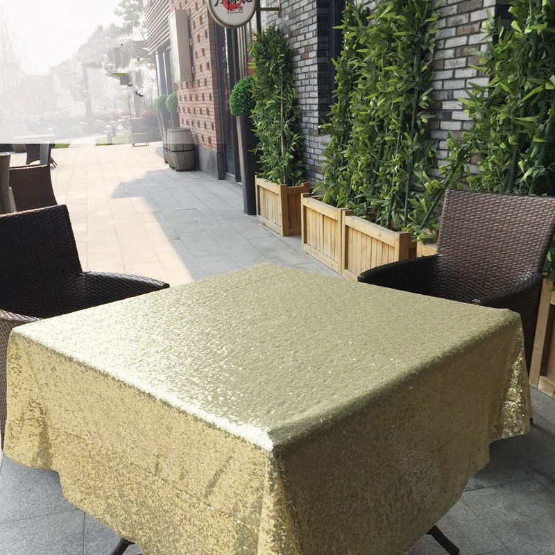 BeddingOutlet-Round-Sequin-Tablecloth-for-Wedding-Party-Gold-Silver-Champagne-Colorful-Table-Cloth-Decoration-Bling-Table (3)_