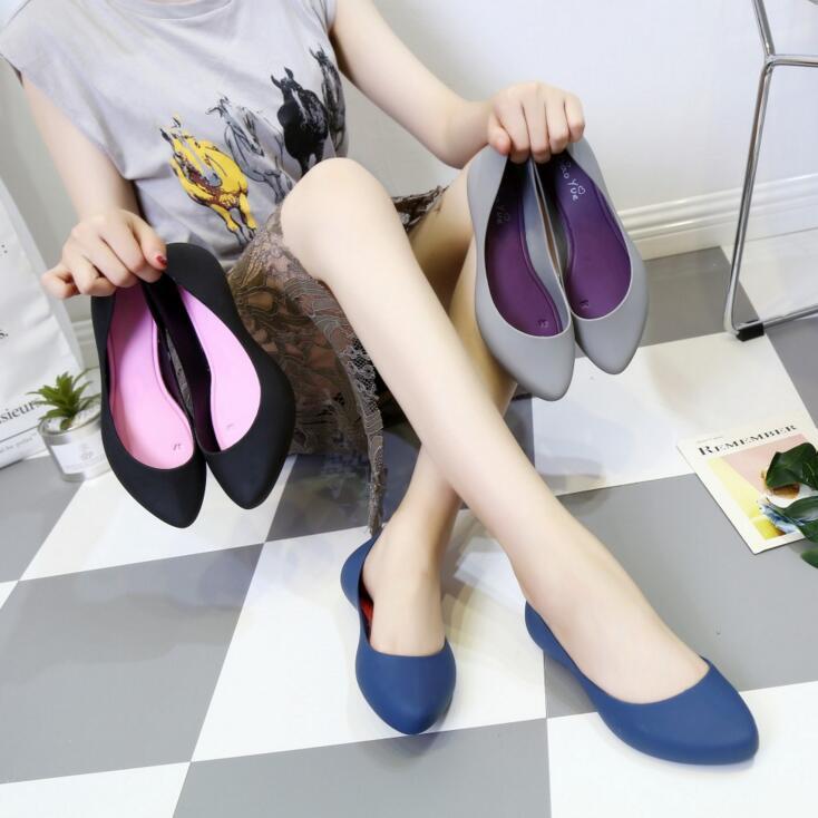 Rouroliu Women Waterproof Beach Flats Slip-On Autumn Shoes Female Platform Non-Slip Shallow Jelly Shoes Woman Footwear FR46