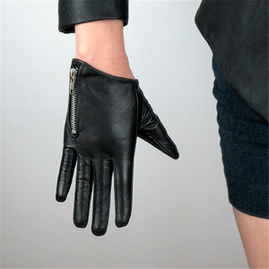 Image 3 - 2020 Latest Genuine Leather Gloves Female Short Sheepskin Gloves Fashion Simple Zipper Decoration Womans Leather Gloves NS23