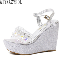 de5c9a57e1924a AIYKAZYSDL kobiety eleganckie sandały ślubne buty dla panny młodej Crystal  Clear pasek kostki sandały platformy klina