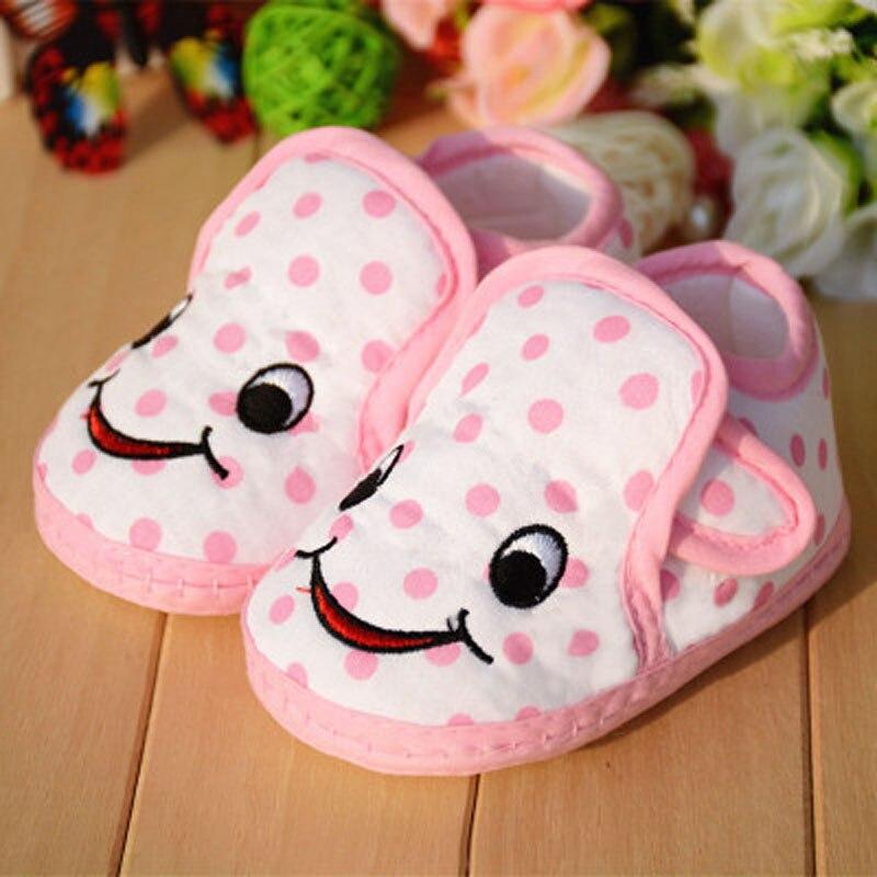 afa3ae61d4c 신생아 아기 신발 여자 신발 유아 0-1-2 세 아기 유아 신발 봄과 가을 부드러운 단독 신발