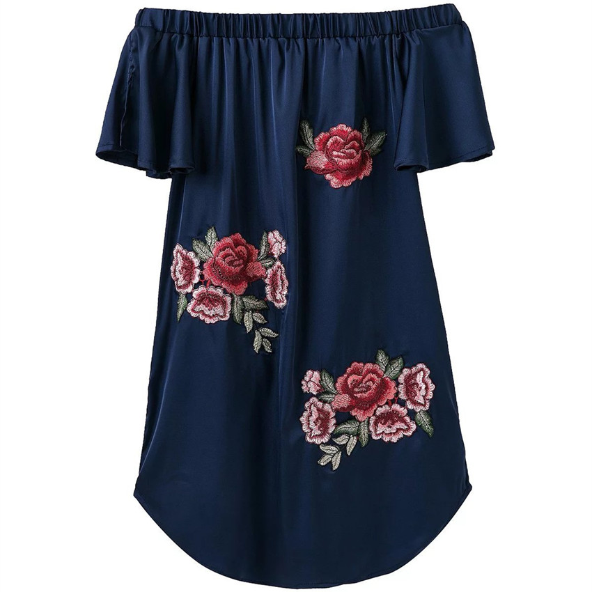 Off shoulder embroidery dress