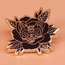 Bat enamel pin Halloween gift vampire bat nocturnal animal brooch flower Gothic badge spooky creepy cute pins women accessoires