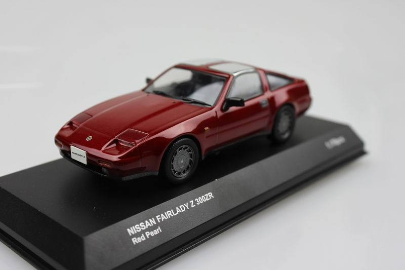 Kyosho 1:43 NISSAN FAIRLADY Z 300ZR (authentic package deal) alloy mannequin automobile toy