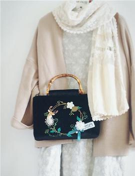 Handmade Vintage Crystal Flowers Women Handbag Quality Embroidery Tote Bag Black Velvet Flower Wreath Bag Bamboo Handle Deer Elk handbag