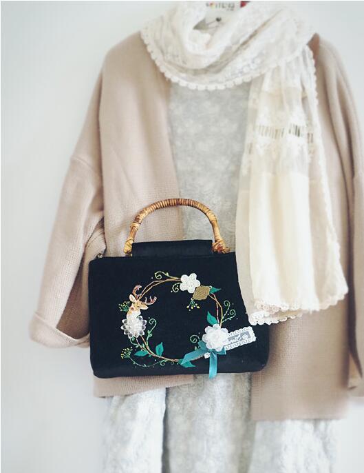Handmade Vintage Crystal Flowers Women Handbag Quality Embroidery Tote Bag Black Velvet Flower Wreath Bag Bamboo Handle Deer Elk