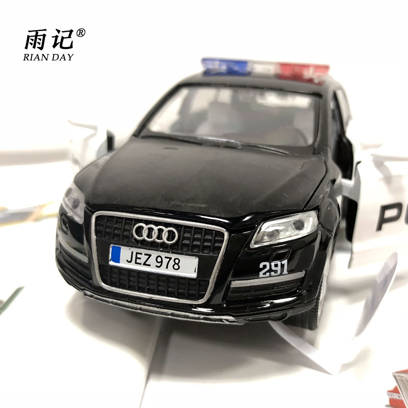 RIAN DAY 1/32 Scale Car Toys Police Ver. AUDI Q7 SUV Sound&Light Diecast Metal Pull Back Car Toy For Gift/Kids/Collection