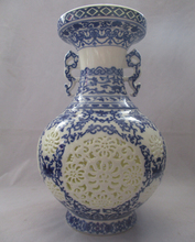 Collect H:11 inch Chinese Blue and White Porcelain Two ears vase /Classic Jingdezhen Ceramic tabletop Vase V00013
