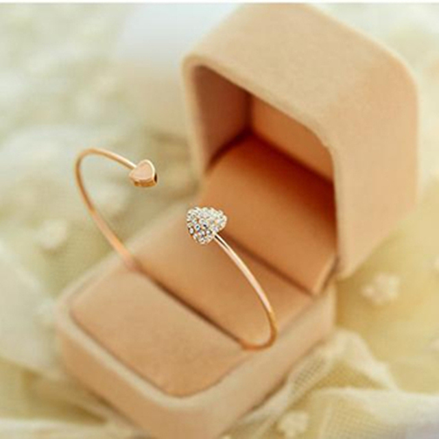 Women Fashion Gold Plated Bracelet