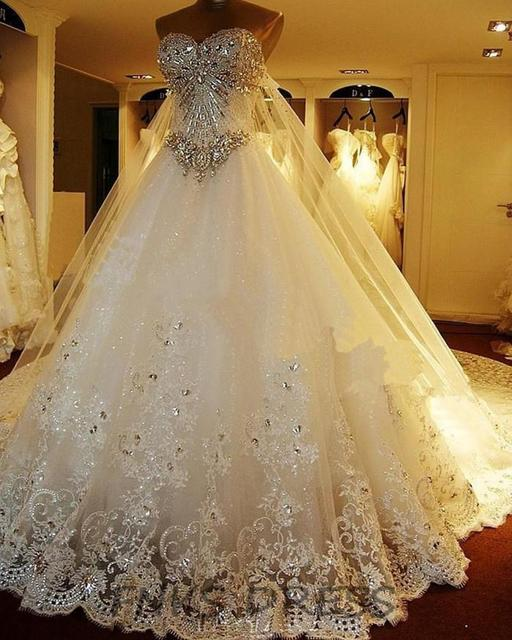 Luxury Cathedral Wedding Dresses 2017 Vestido Festa Crystal Bodice Sweetheart Ball Gown Bridal Gowns Lace Edge