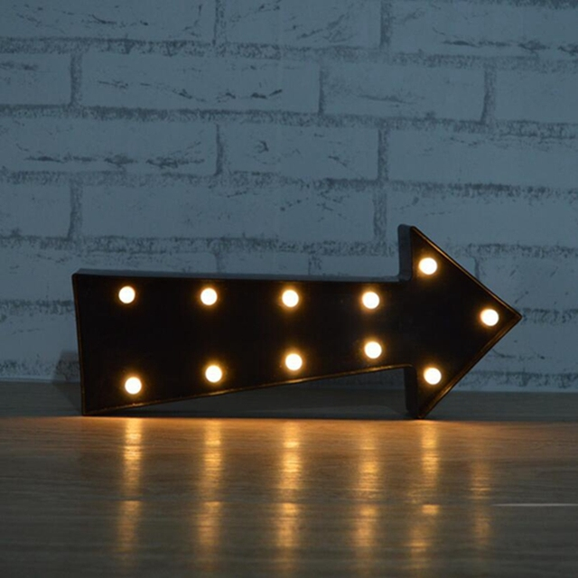 Marquee LED Light up Brown Arrow Sign with 11 Warm White LEDs Arrow Night Lamp Decorative Light Christmas Decoration
