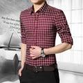 Estilo de la Tela Escocesa Regular Hombres Camisas de Manga Larga Ocasional Da Vuelta-abajo Slim Fit Cotton Shirt Homme Plus Tamaño M-5XL 2205