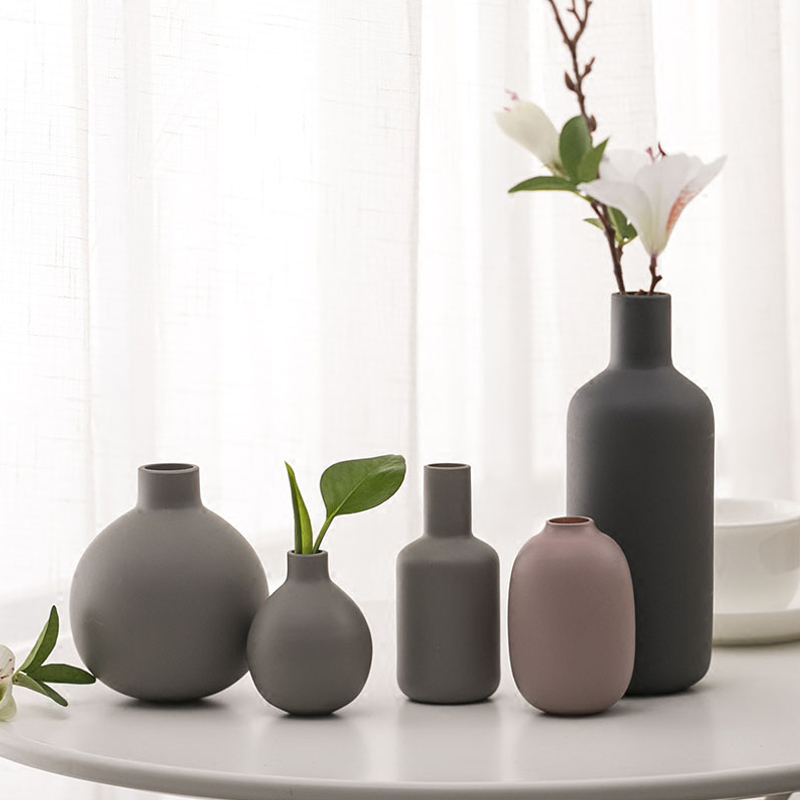 Europe Ceramic Vase Gray Mini Vases Creative Handmade Blowing Frosted Sand Small Vase Crafts Fashion Home Decoration Accessories