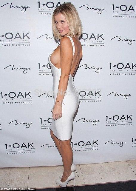 Sexy side boob pics