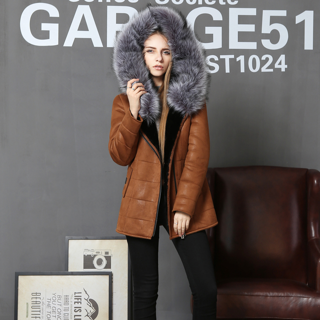 Direct supply from factory Winter Fashion Cold resistant faux Sheepskin women fur coat wholesale fox collar Middle-aged Hooded