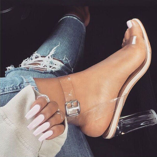2017 Newest Women Pumps Celebrity Wearing Simple Style PVC Clear Transparent Strappy Buckle Sandals High Heels Shoes Woman