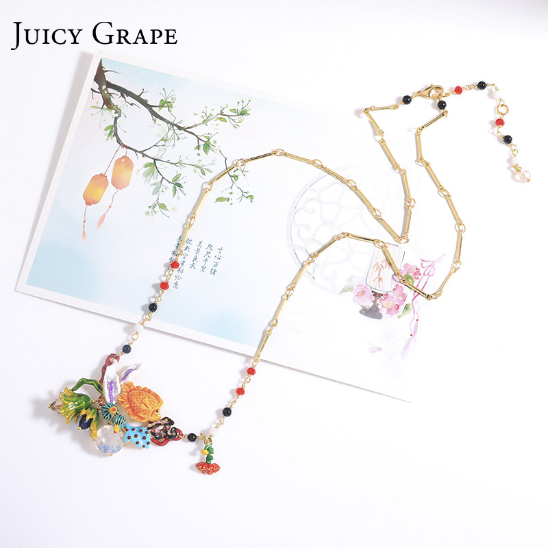 Nouveauté raisin juteux émail peint à la main glaçure poisson organisme marin pendentif collier femme doré longue chaîne