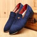 2017 Más El Tamaño 38-46 Zapatos de Moda Casual Para Hombre Con Remache Transpirable Slip-On Mocasines de Hombre Zapatos de Los Planos comercio al por mayor Negro Azul Colores