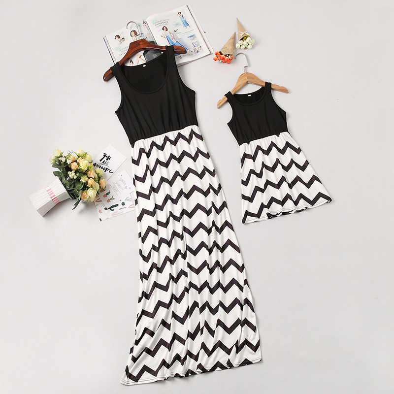 2019 Fashion American And European Style Black Chevron Mother And Girl Dresses