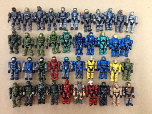 US $200 0 |Lot of 103pcs different Halo Mega Bloks mini figure & 130pcs  weapons only one set hard to collect-in Action & Toy Figures from Toys &
