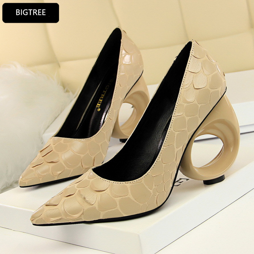 Sexy Snake Print For Ladies Party Shoes New Fashion High Heels Shoes Women Platform Pumps 2018 PU Shallow Pointed Toe Wedding newest flock blade heels shoes 2018 pointed toe slip on women platform pumps sexy metal heels wedding party dress shoes