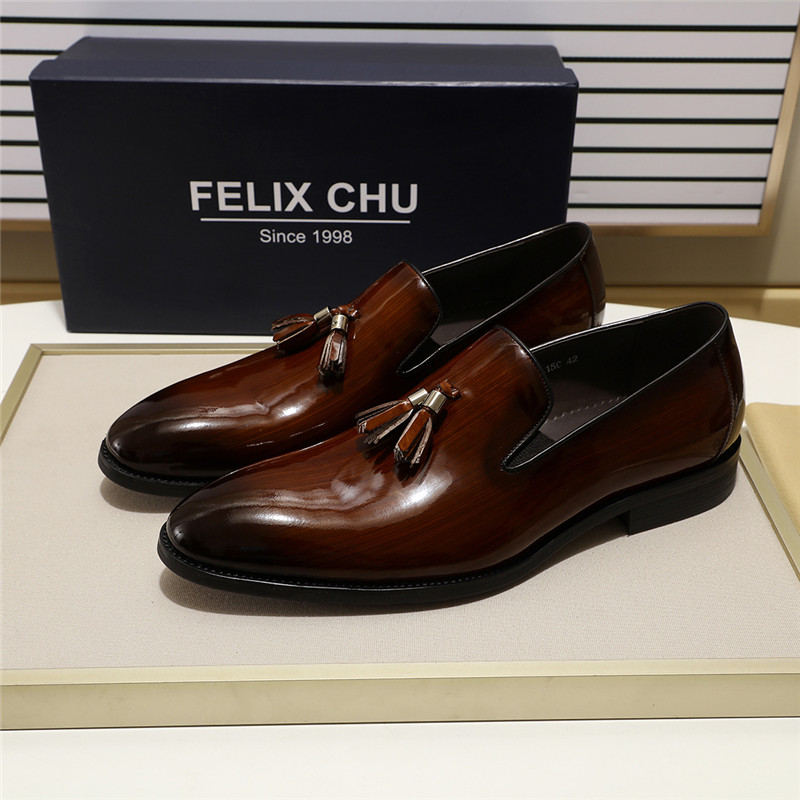 2019 Patent Leather Slip On Men Tassel Loafer Luxury High Quality Casual Footwear For Male Black Brown Party Wedding Shoes
