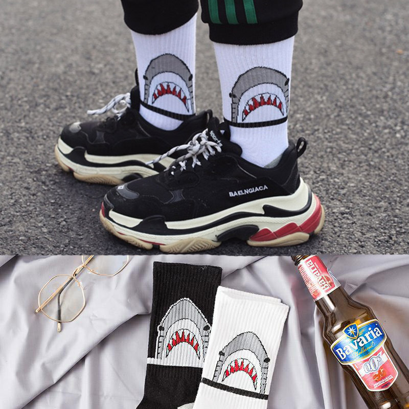 Fashion shark Hip Hop   socks   men long   socks   cartoon Hiphop Street Sport Skateboard black white crew   socks