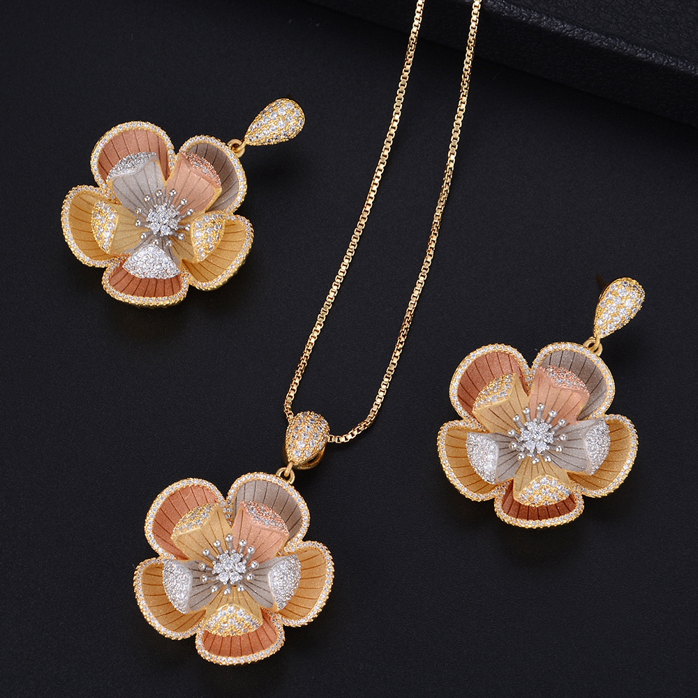Trendy Three Tones Flower Shape Necklace And Dangle Earrings Sets For Women Wedding Engagement Jewlery chic flower shape and sequins embellished newsboy hat for women