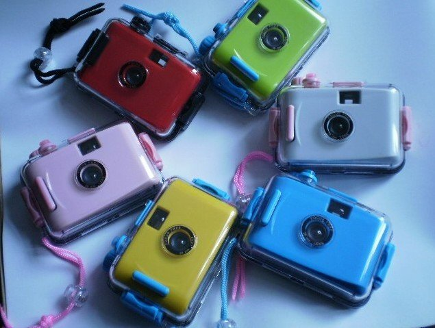NEWEST !!Cheap Ultra Compact 35mm Camera Waterproof Casing