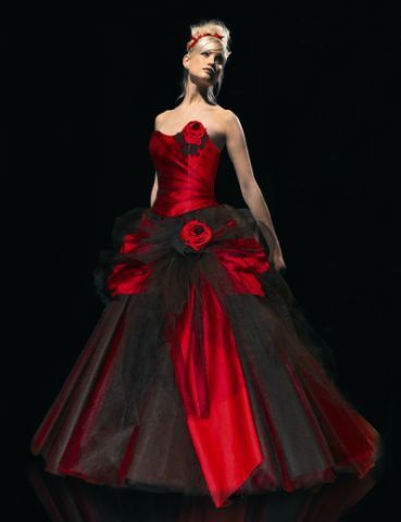 2016 Vintage Sweetheart Ball Gown Princess Black And Red Gothic Wedding Dresses 1960s Colorful Bridal Gowns