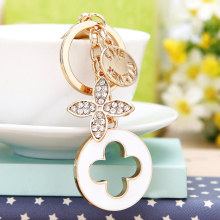 Cute Rhinestones Four Leaf Clover Keychain Alloy Llavero Charm Auto Trinket Key Rings Bag Porte Clef Pendant for Women Girl Gift