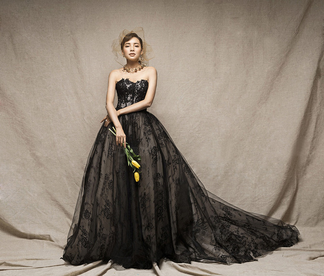 Vestido De Noiva New Vintage Lace Gothic Black Wedding Dresses Gowns Strapless Corset Two Toned Colorful