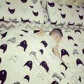 3 Unids/set Nordic Estilo 100% Algodón Clásico Negro Blanco Juego de Cama de Bebé de Dibujos Animados Zorro Gato Patrón Natural Teñido de ropa de Cama de Bebé