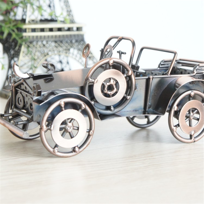 Amazing Metal Painting Retro Old Car Classic Vehicle Model Creative Table Decoration Creative Bedroom Study Furnishings Articles
