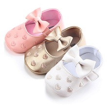Big bow embroidery love pu leather baby girl shoes non-slip soft soled footwear for newborn crib shoes toddler girls shoes(China)