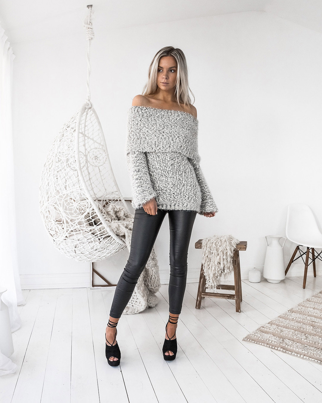 2018 Autumn Winter Slim Top Fashion Elegant Women Clothing Casual Christmas Long Sleeve Ruffles Slash Neck Knitted Sweaters