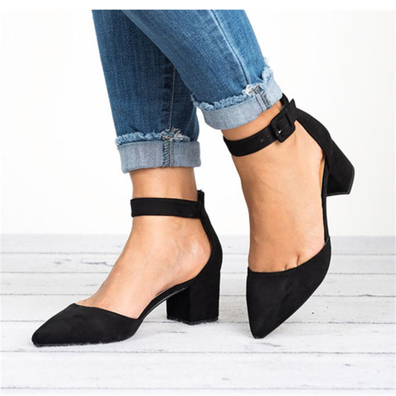 Factory Direct Low Heels Sandals Women Ankle Strap Summer Shoes Female Plus Size 43 Block Heels Women Shoes 2019 Casual Sandals
