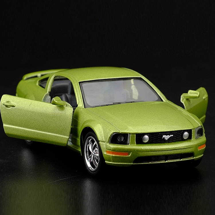 High Simulation Exquisite Diecasts&Toy Vehicles: KiNSMART Car Styling <font><b>2006</b></font> Ford <font><b>Mustang</b></font> <font><b>GT</b></font> Supercar 1:38 Alloy Diecast Car Model image