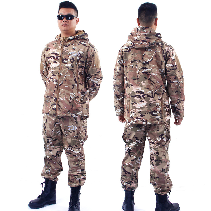 2017 New Fishing Autumn  Winter Clothes Coat Soft Shell Waterproof Keep Warm Suit Leisure Camouflage Outdoor Hunting Parka Pants