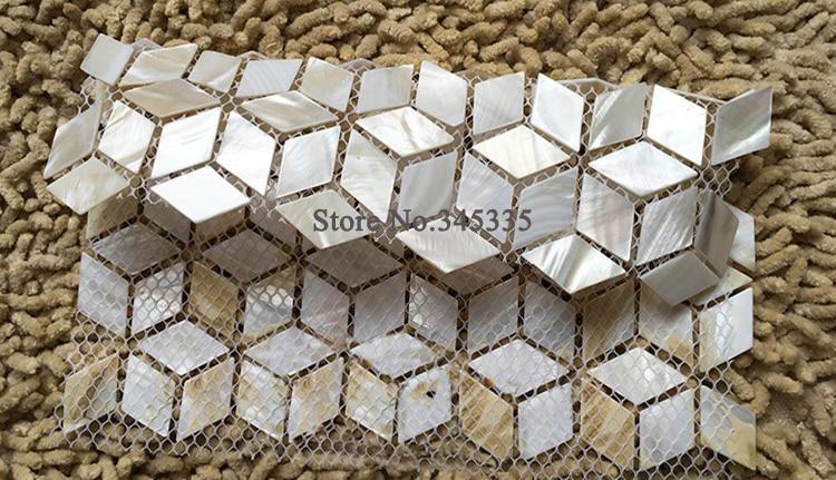Nuovo rombo mattonelle di mosaico delle coperture bianco