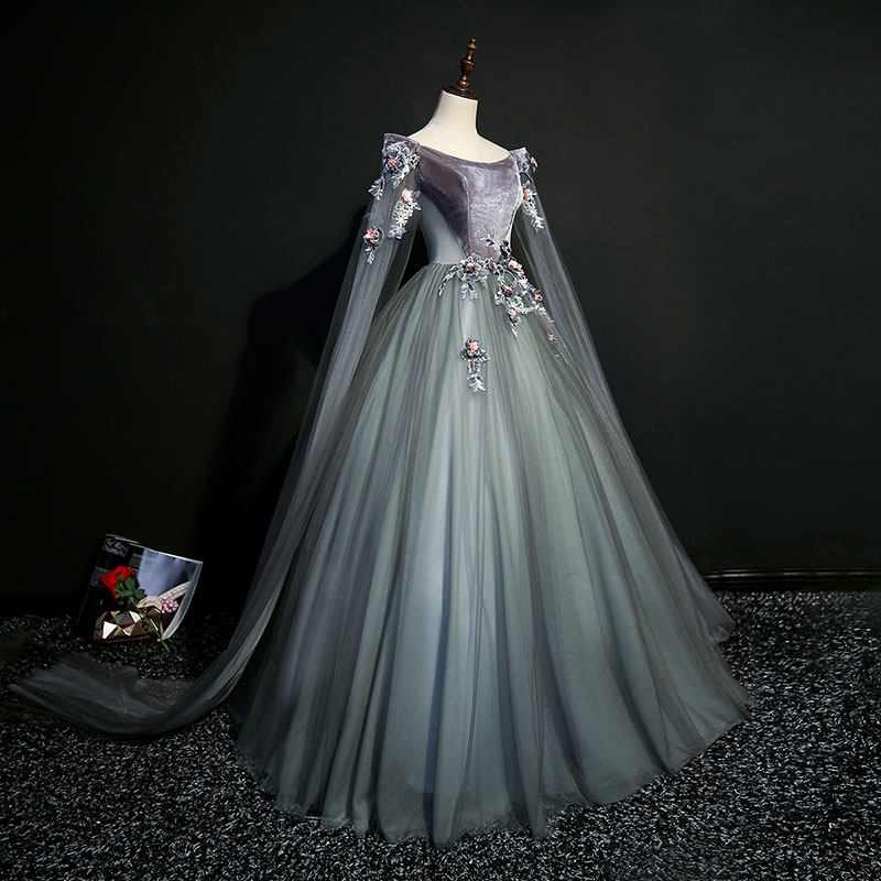 Belle הכתרת שמלה 18th