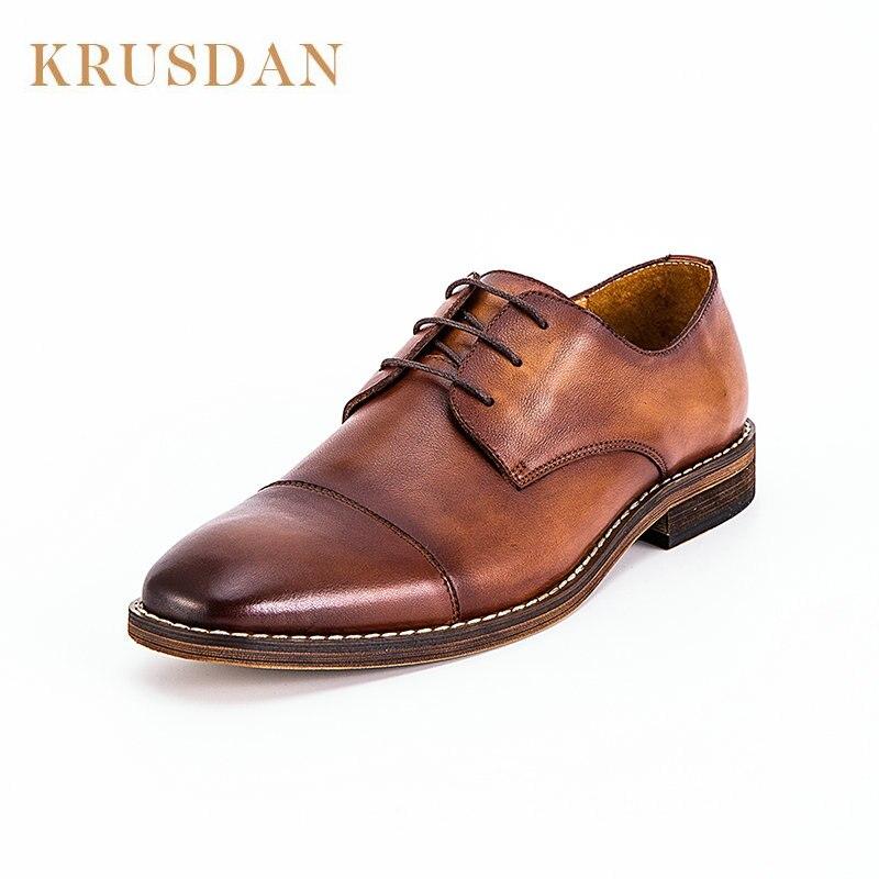 Moda 2020new marki prawdziwej skóry ręcznie robione buty mężczyźni w stylu Vintage Lace up oksfordzie buty dla mężczyzn buty typu casual ze skóry bydlęcej mężczyzna w Oxfordy od Buty na  Grupa 1