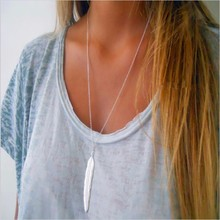 1pc fashion ladies retro long necklace jewelry gold and silver simple feather pendant necklace no hair B(China)