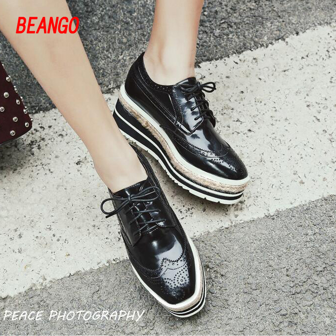 ФОТО BEANGO Genuine Leather Women Platform Shoes Woman Spring Autumn Retro Straw Heel Flats Casual Lace-Up Women Brogue Shoes  2017