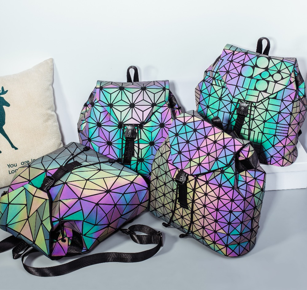 Fashion Female Geometric Laser Lattice Plaid Squin Mini Backpack Travel School Bag Drawstring Holographic Luminous Teen Backpack