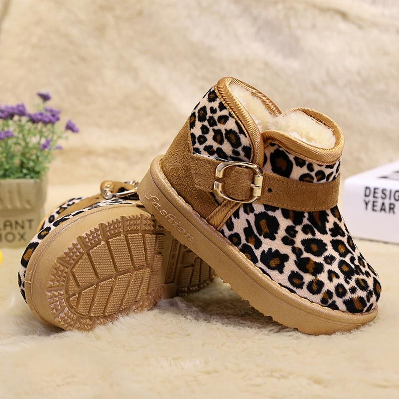 d68f234a0 الشتاء الأحذية ل فتاة أزياء ليوبارد الطفل فتاة 2018 السنة الجديدة عيد  الميلاد الطفل أحذية الاطفال الثلوج حذاء من الجلد الفتيات الفتيان أفخم