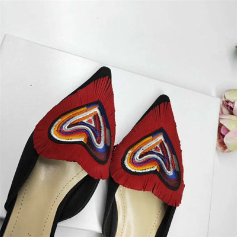2019 new star with the same paragraph embroidery love Baotou word with a flat single shoes cat with sandals stiletto heels(China)